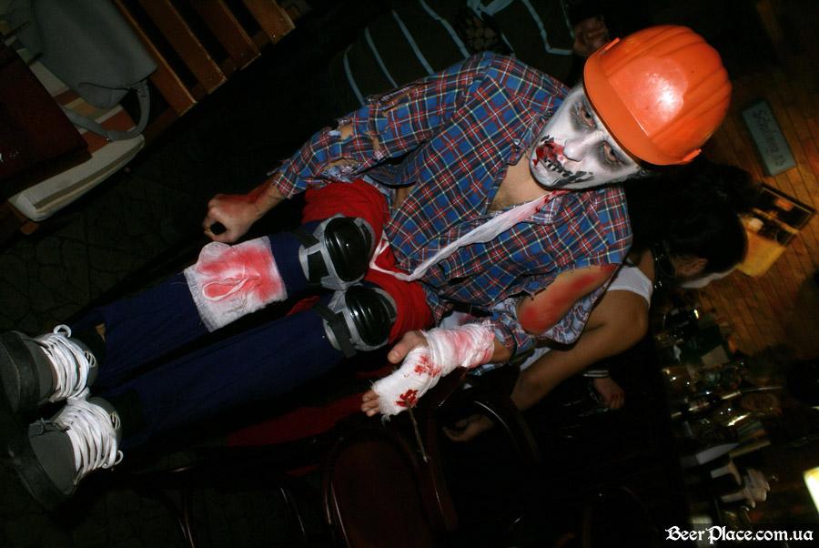 Хеллоуин 2010 в Киеве. Пивной клуб Натюрлих. Фото. Инвалид говоришь