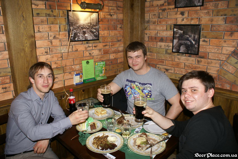 День Рождения паба O'Connors | O'Коннорс. Посетители BeerPlace.com.ua