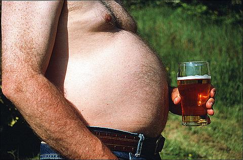 Пивной живот появляется не от пива