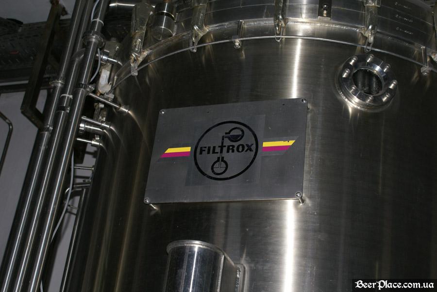 Как варят пиво на заводе Полтавпиво. Фото. Аппарат для фильтрации пиво