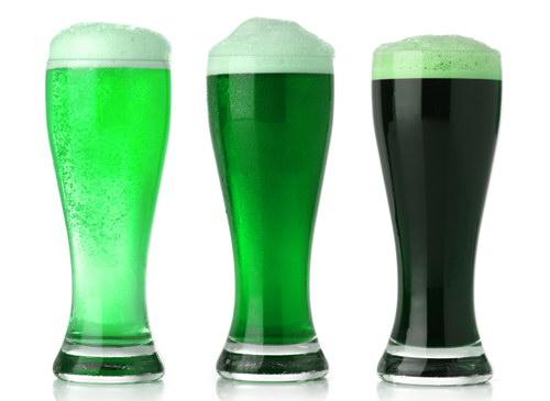 Зелёное пиво на День святого Патрика